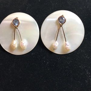Vintage amazing design mother of pearl post earrin
